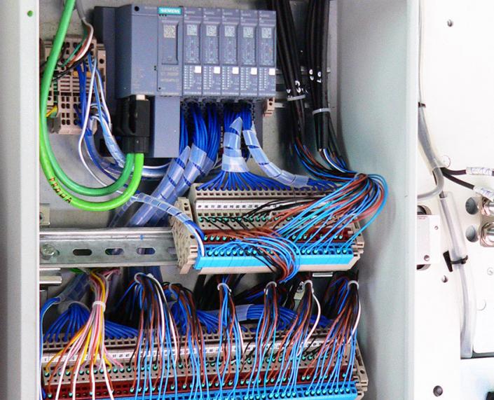 Prefabrykacja szafy sterującej - oferta Madar Electric